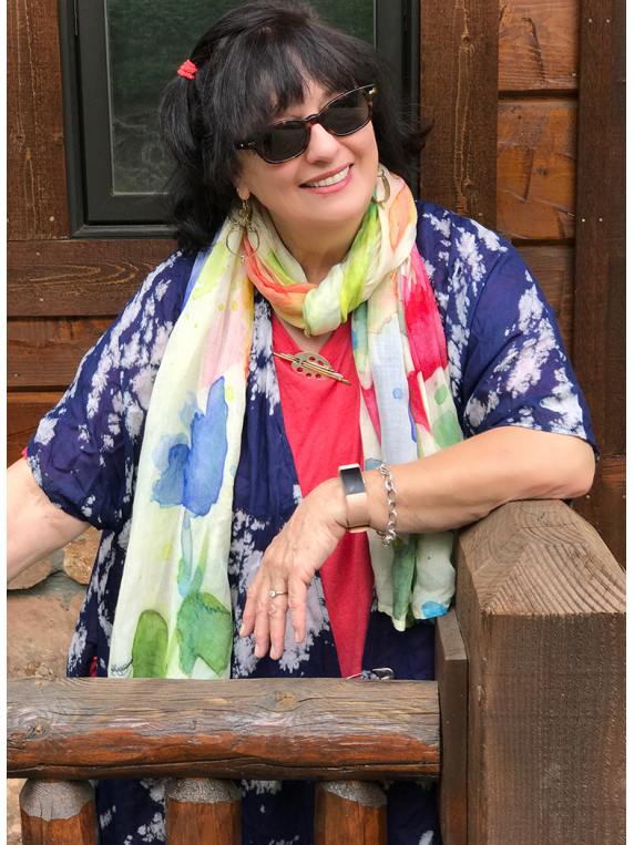 Angela wearing the Fleur Flourish scarf
