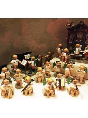 The famous wood figures